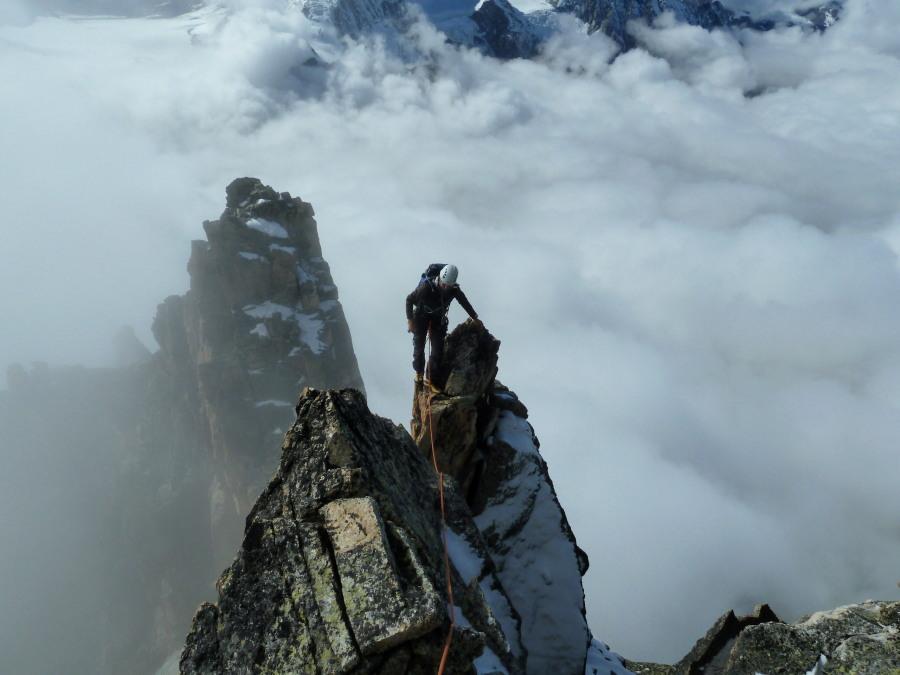 Douves Blanche Climbing Guide