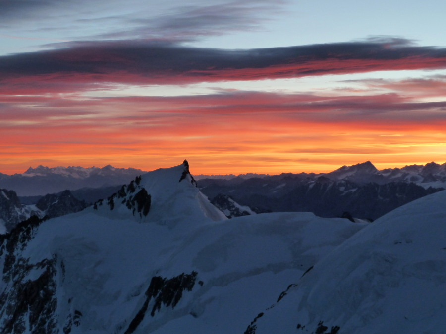 Sunrise from Mont blanc