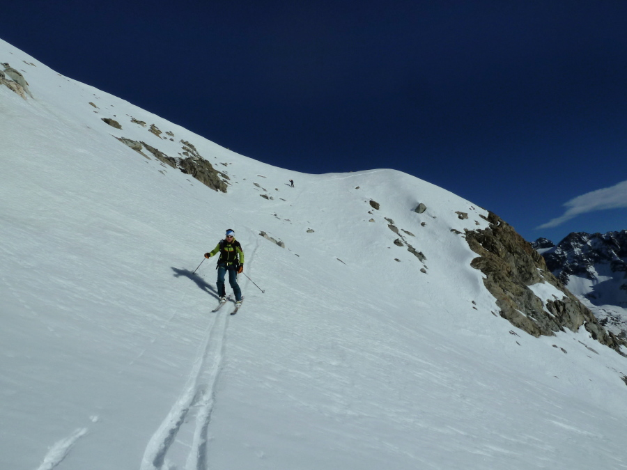 Tour of Mont Collon. Guided ski tour