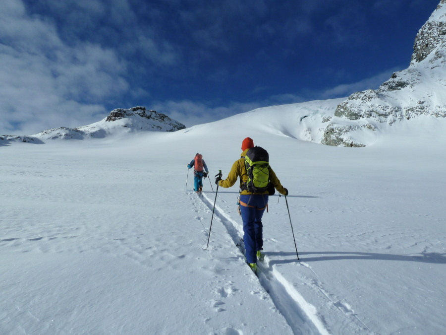 col de l'eveque ski tour arolla mountain guide