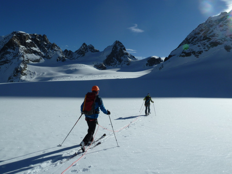 Ski Touring Arolla. British Mountain Guide