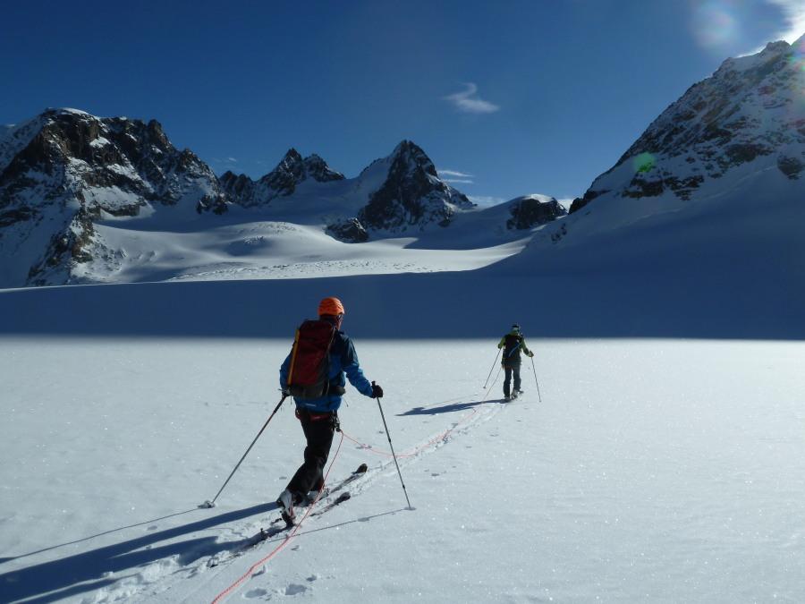 Ski Touring Arolla. British Mountain Guide