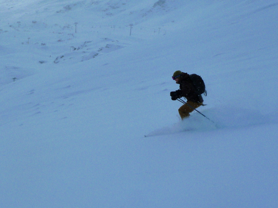 Off Piste in Grimentz with plenty of nice snow
