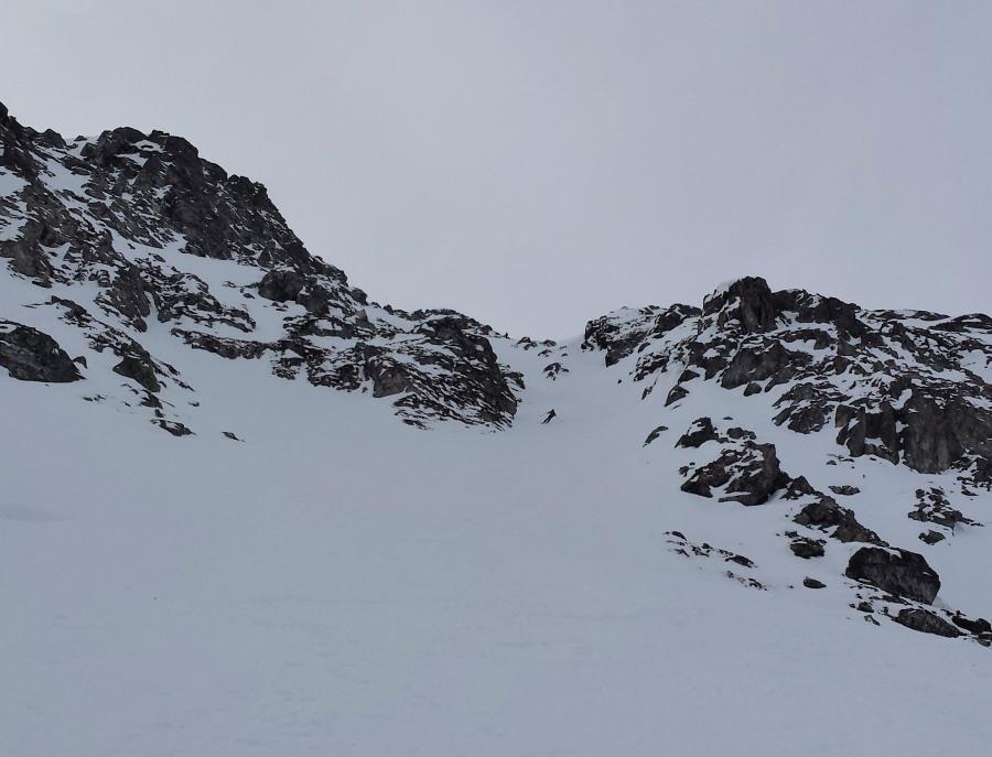 grimentz off-piste ski guide orxival ski touring