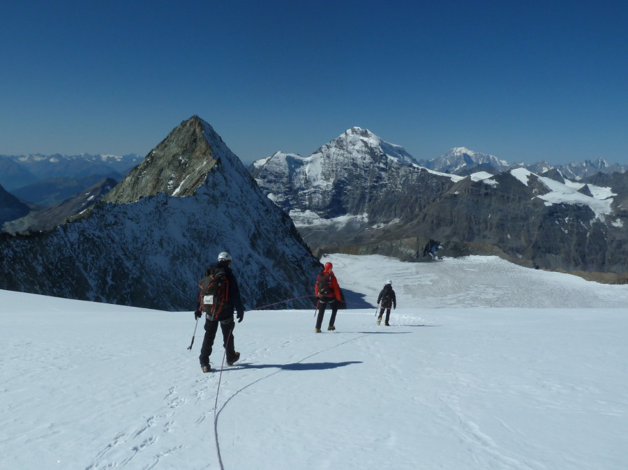 British Mountain Guide Mont Blanc de Cheilon