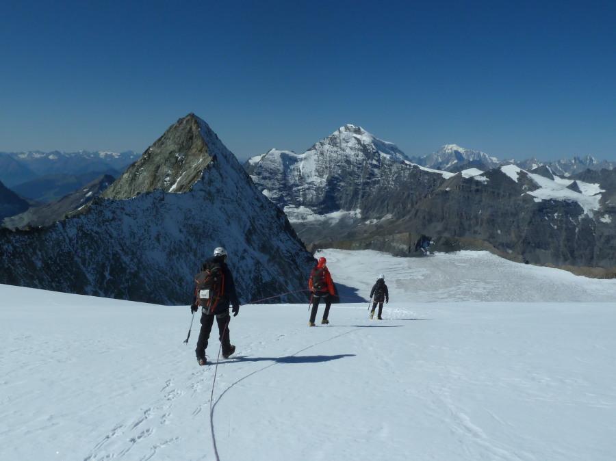 British Mountain Guide Mont Blanc de Cheilon