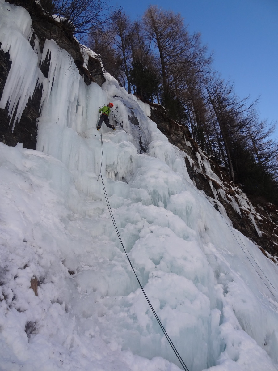 ice climbing course arolla introduction alps