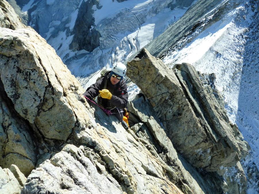 Mont Blanc de Cheilon traverse British mountain guide