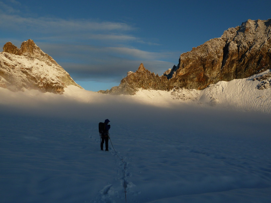 Approaching the Bertol Hut on Glacier Trek