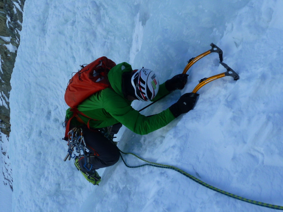 Fine Ice Climbing on the Cascade des Ignes