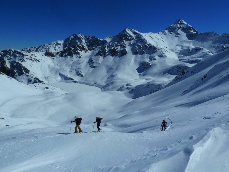 And a quick climb to the Illhorn. Still haven't seen anyone all day (except for these 3 of course)