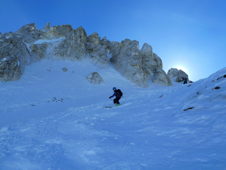 Skiing into the Col de Tsan