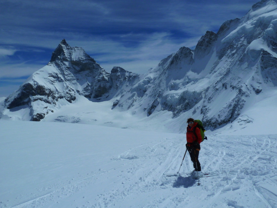 The awesome scenery on the Stockji glacier descent