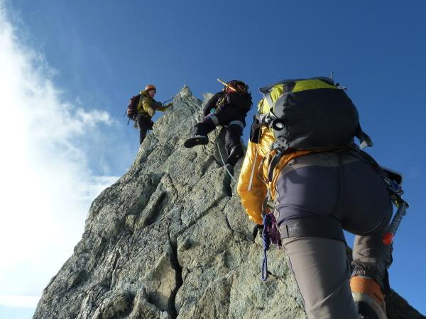 Climbing the Rasoir