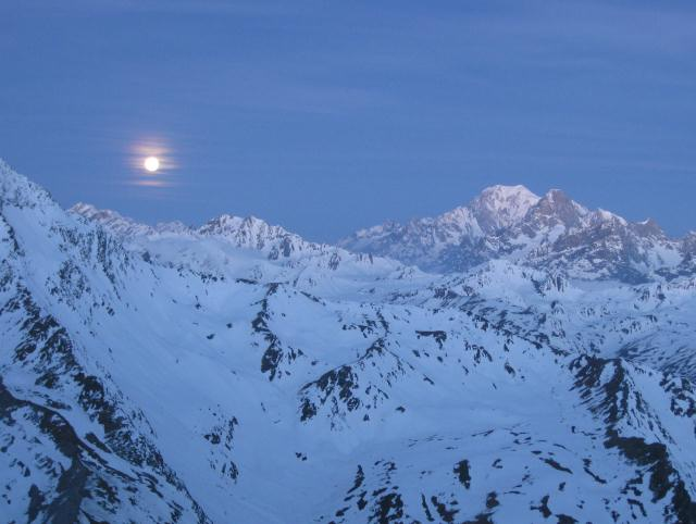 Moon from Valsorey hut