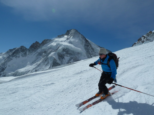 Skiing past Tete Blanche