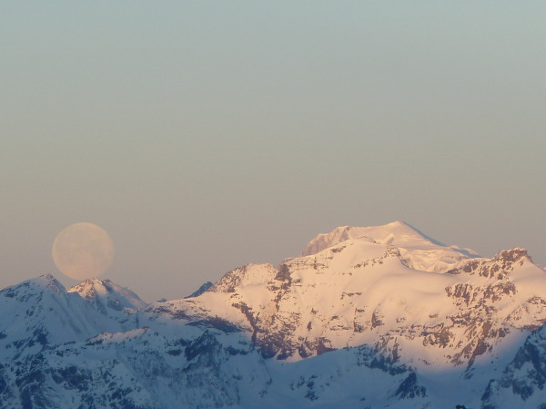 Moon and Mont Blanc from Tracuit