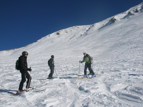 Good snow skiing to the Moiry dam
