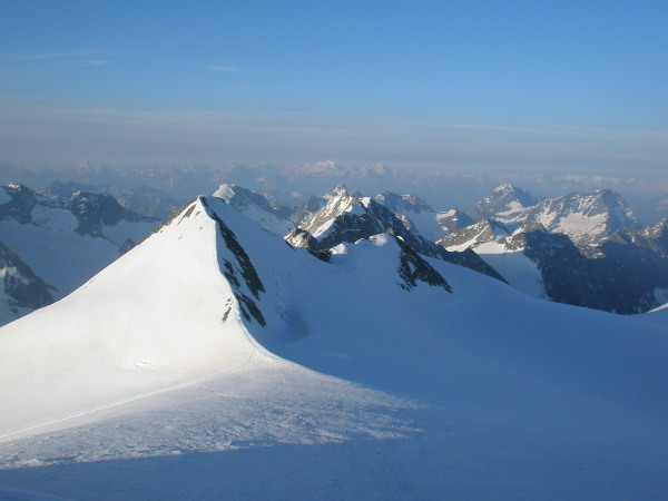 Looking south from the Pigne d'Arolla to the south summit