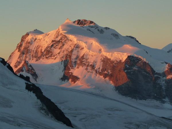 Signalkuppe, Nordend and Dufourspitze at dawn