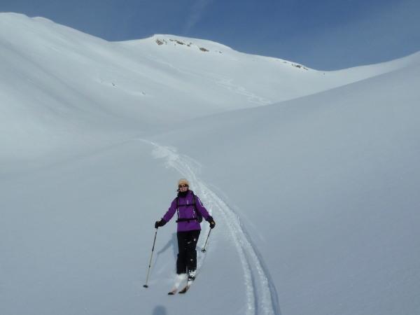 Skiing off the Tierberggrat