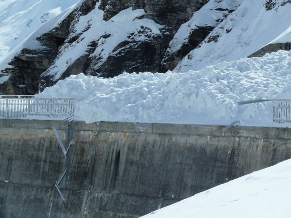 Avalanche at the Moiry dam