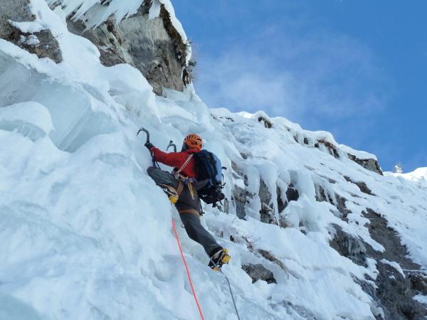 Ice and blue skies - alpine cascades!
