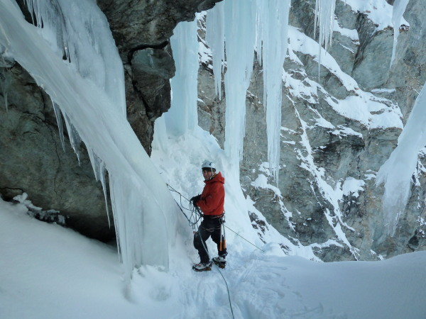 Introduction Ice Climbing Courses Alps Guide