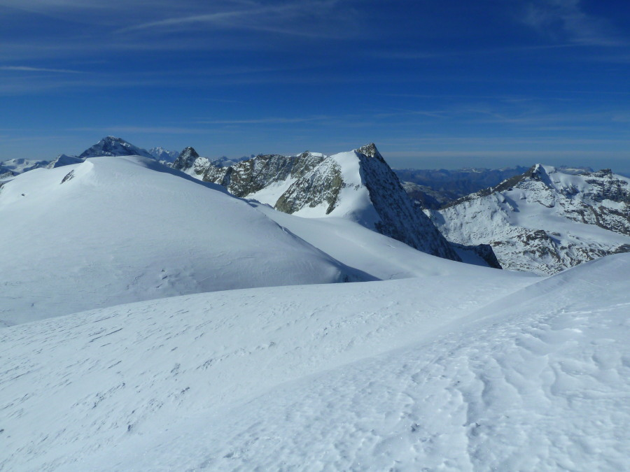 No tracks and no-one in sight from the summit of Pigne d'Arolla