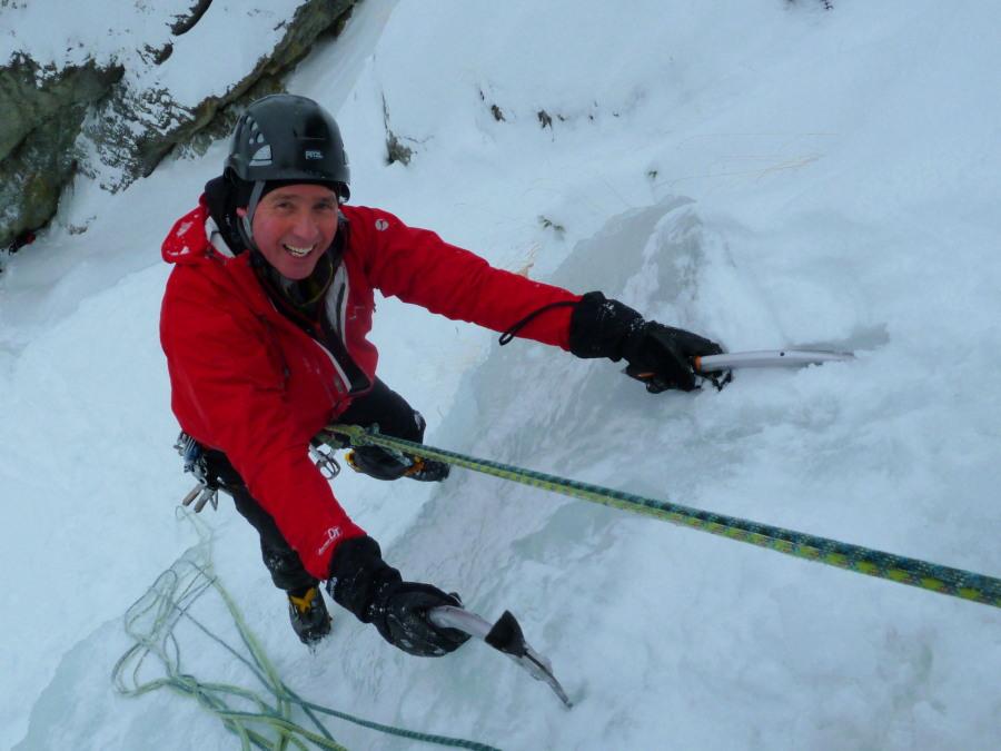 Ice Climbing in Arolla - Usine Electrique