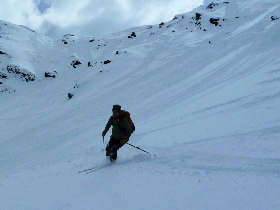 Skiing the NE face of Mont Noble